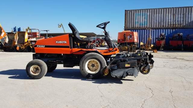 Cortacésped autopropulsado tractor Kubota F3060 alquimaq